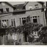 1949Anbau im Innenhof und Erweiterung der Praxis